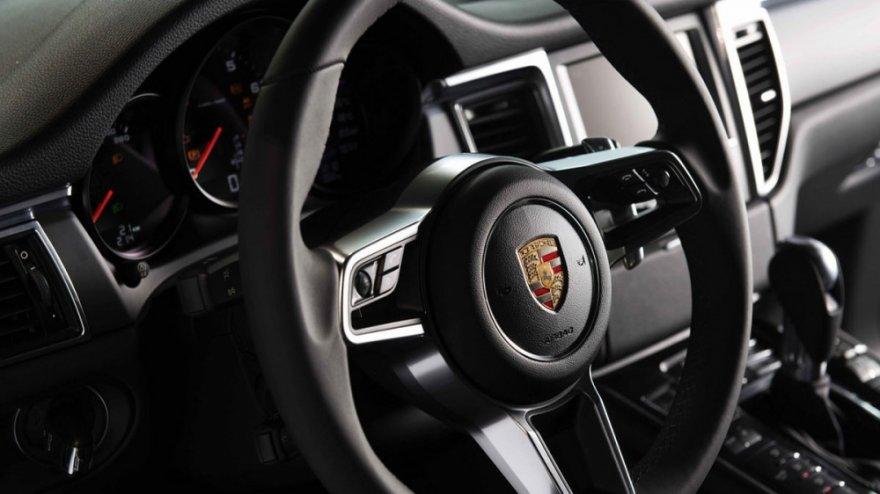 Porsche_Macan_Premium Package Plus