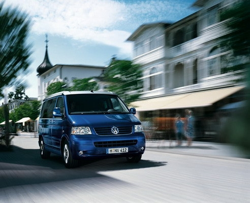 Volkswagen_T5_California 2.5 TDI 4Motion