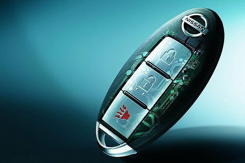 Nissan_Tiida 5D_1.8 S
