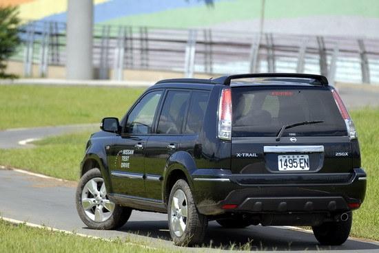2010 Nissan X-Trail 2.5 4WD尊貴型