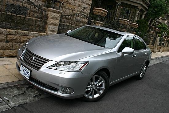 2011 Lexus ES