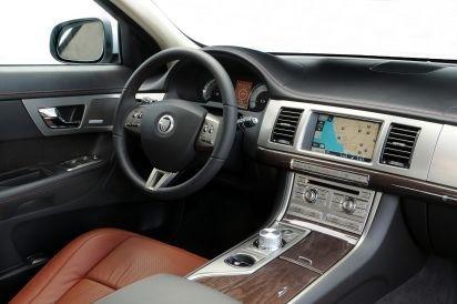 Jaguar_XF_3.0 V6 Luxury
