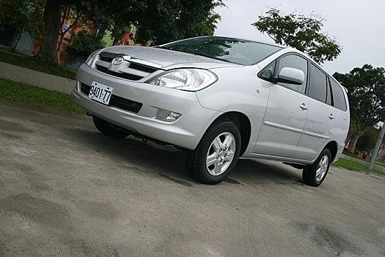 2012 Toyota Innova 2.0 G-Hi