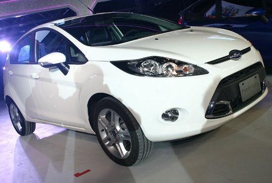 Ford_Fiesta 5D_1.6 Powershift運動版
