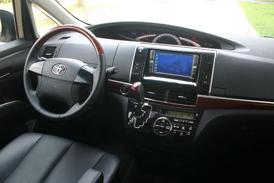 Toyota_Previa_2.4福祉車