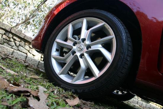 Nissan_Tiida 5D_1.6 Turbo SL規