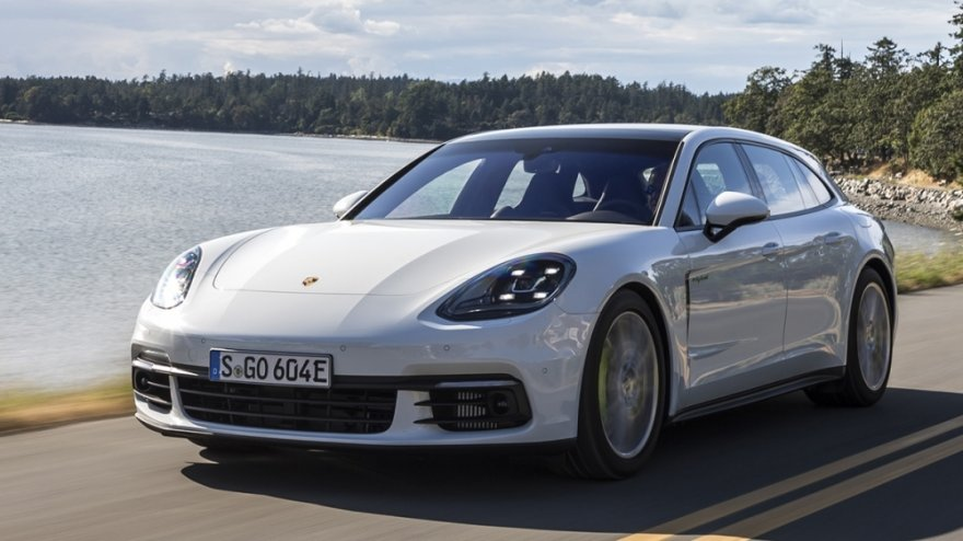 2019 Porsche Panamera Sport Turismo 4 E-Hybrid