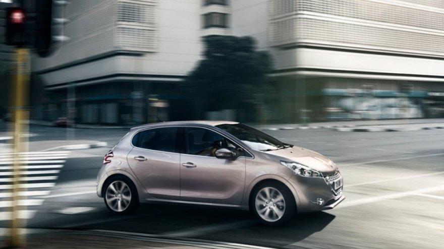 Peugeot_208_1.6 e-HDi Active