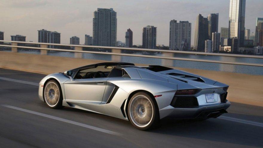 Lamborghini_Aventador Roadster_LP 700-4