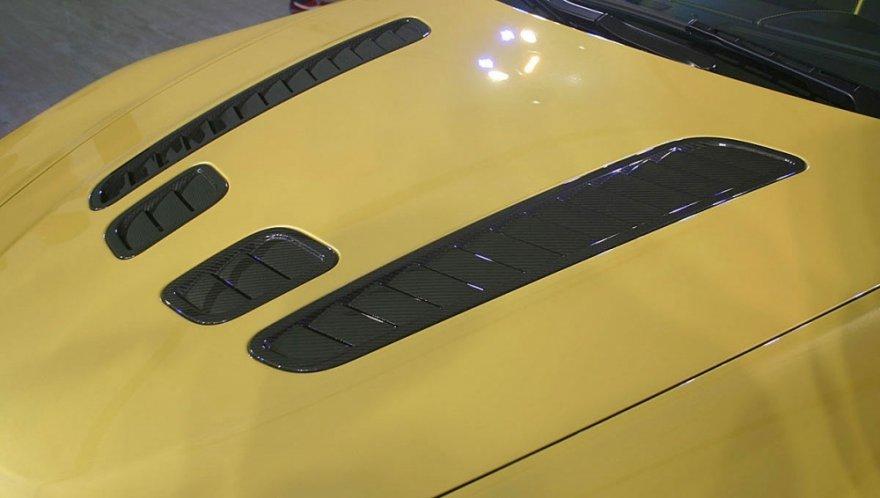Aston Martin_Vantage_V12 S