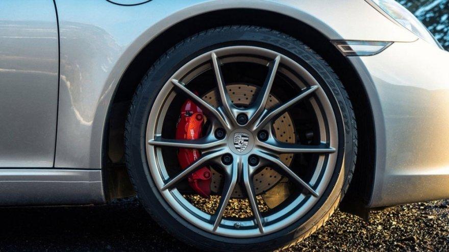 2019 Porsche 911 Carrera 4 S Cabriolet