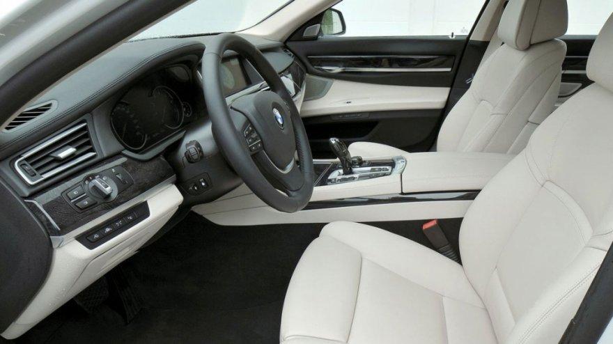 BMW_7-Series_730Ld