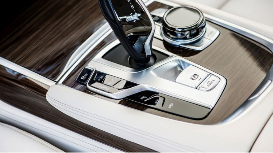 BMW_7-Series_730d Luxury