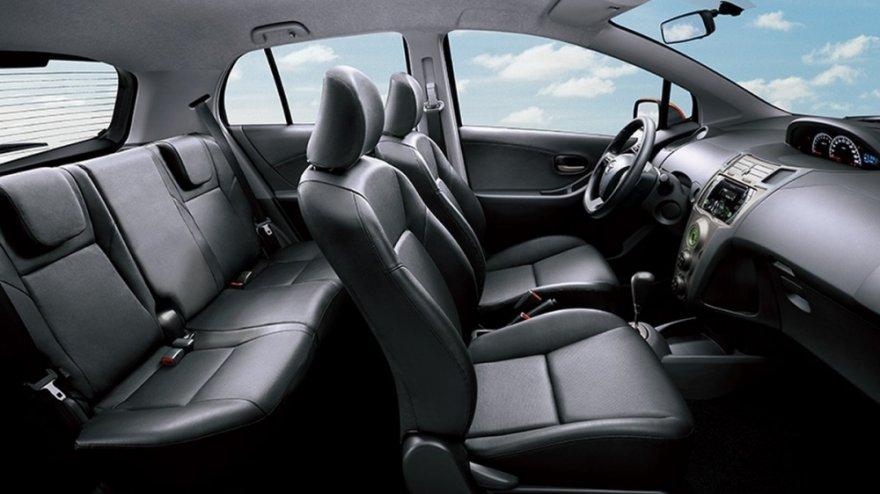 Toyota_Yaris_1.5 E Leather