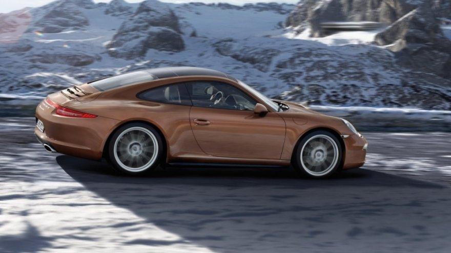Porsche_911 Carrera 4_Coupe