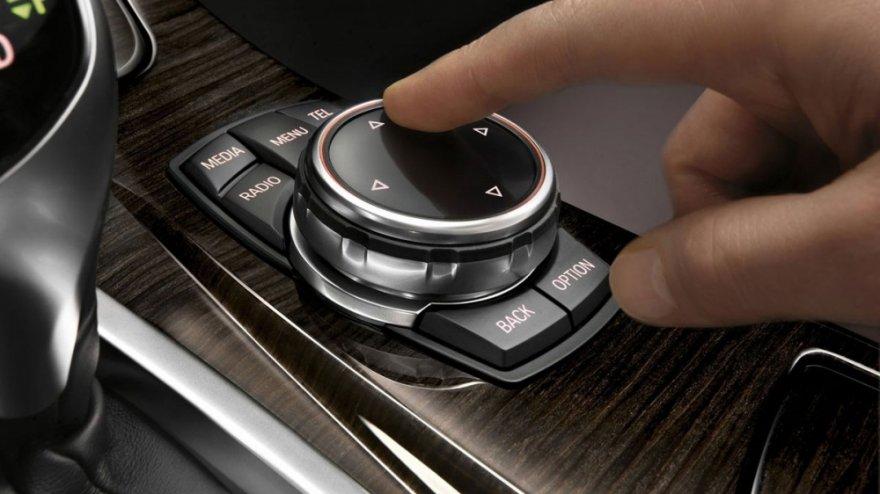 BMW_5-Series Sedan_520i Luxury Line