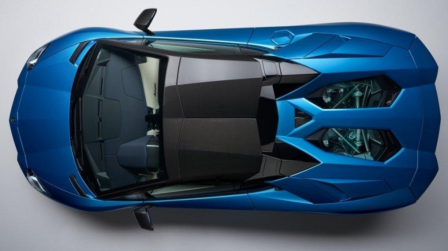 2019 Lamborghini Aventador S Roadster V12
