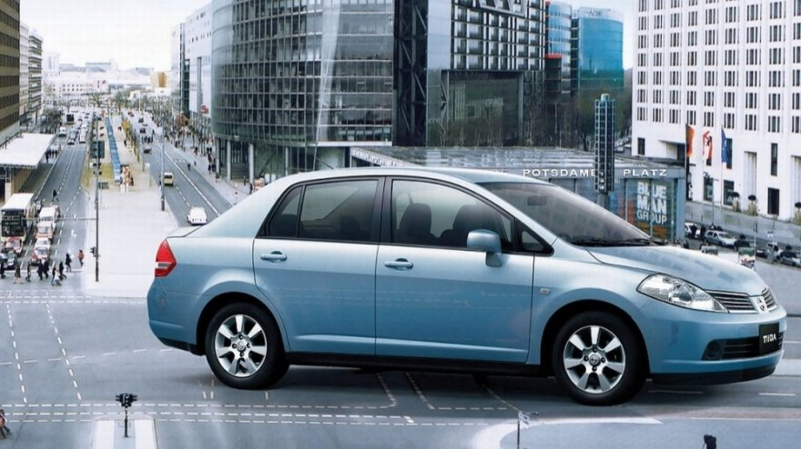2015 Nissan Tiida 4D 傳奇版
