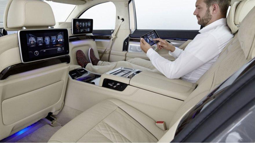 BMW_7-Series_750Li Luxury