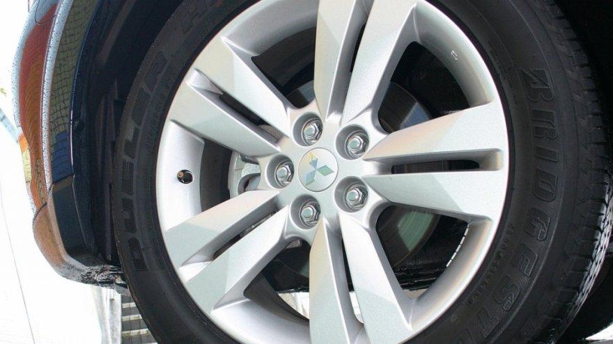 Mitsubishi_Outlander_2.4 4WD尊貴型