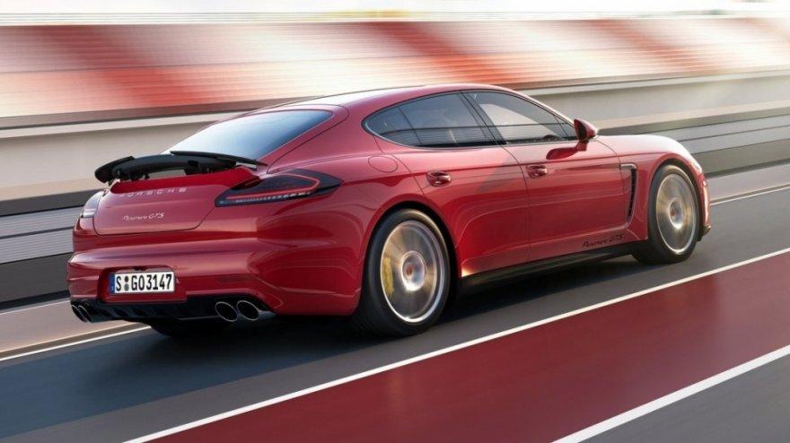 Porsche_Panamera_GTS