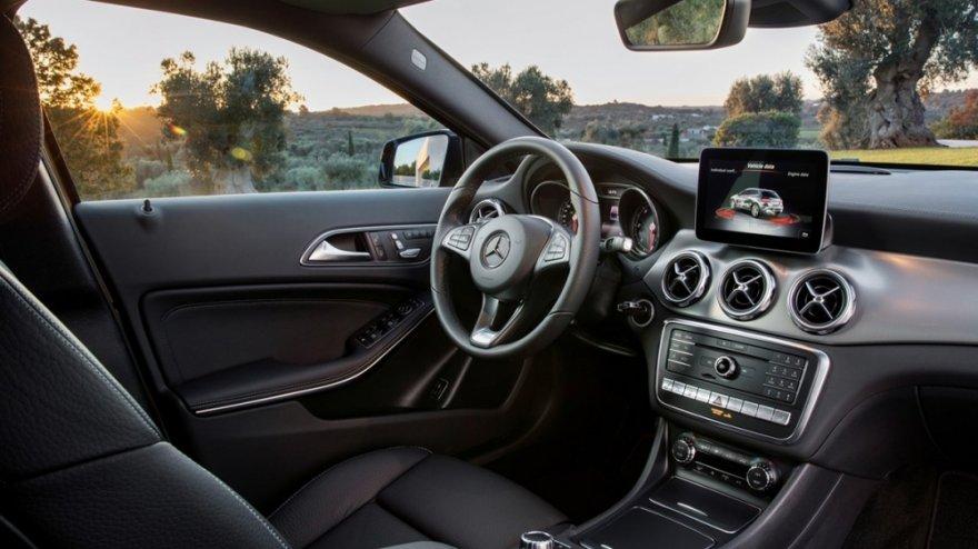 M-Benz_GLA-Class_GLA180
