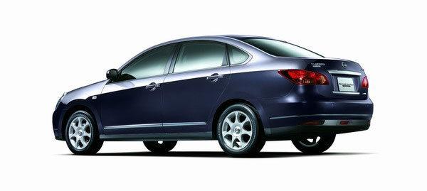 Nissan_Bluebird_2.0 P