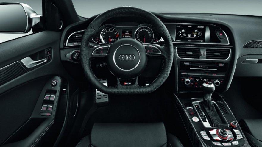 Audi_A4 Avant_RS4