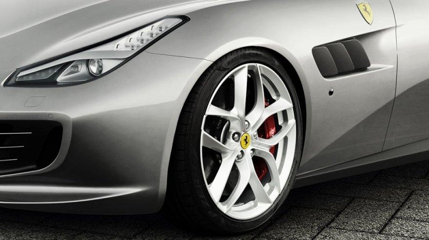 2019 Ferrari GTC4 Lusso T V8