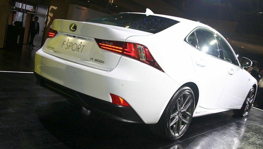 Lexus_IS_300h F Sport版