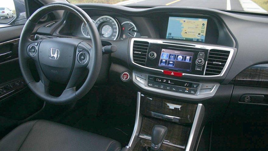 Honda_Accord_2.4 VTi Luxury