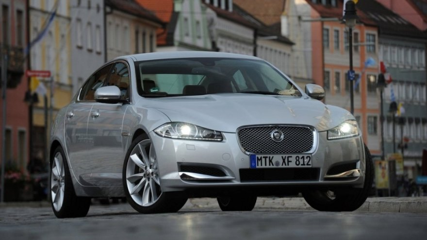 2015 Jaguar XF 2.0i Premium Luxury Dynamic