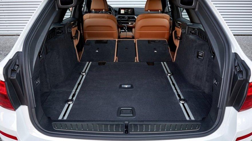 BMW_5-Series Touring(NEW)_520i Luxury
