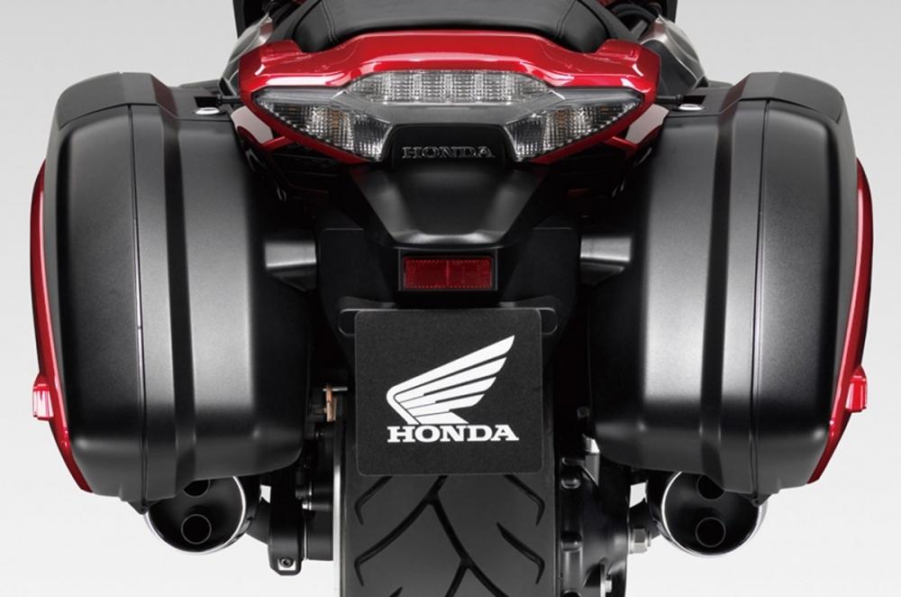 Honda_CTX_1300