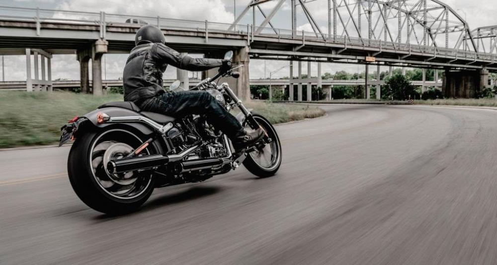 Harley-Davidson_Softail_Breakout