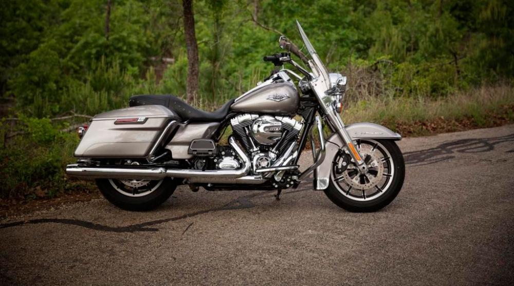 Harley-Davidson_Touring_Road King