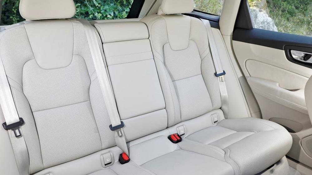 Volvo_XC60_T5 Momentum安全旗艦版