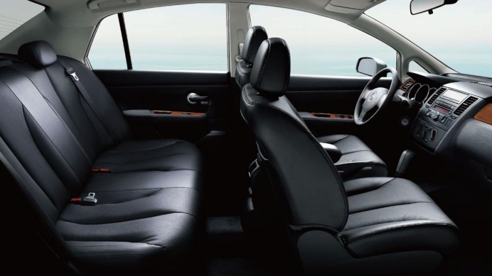 Nissan_Tiida 4D_豪華版