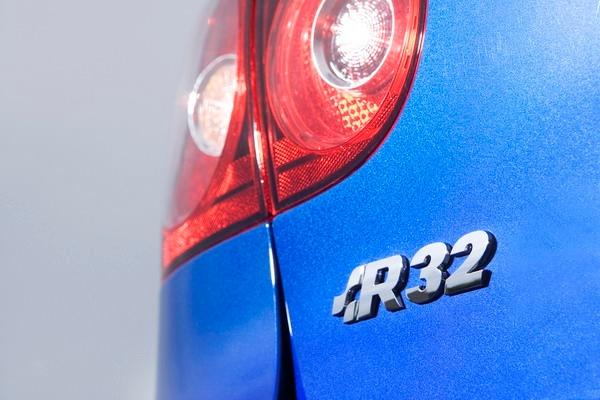 Volkswagen_Golf R32_5D