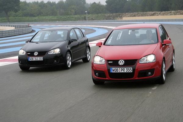 Volkswagen_Golf GTI_5D