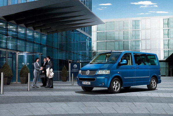 Volkswagen_T5_Shuttle LWB 1.9 TDI