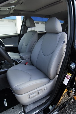 Toyota_RAV4_2.4 E 天窗型