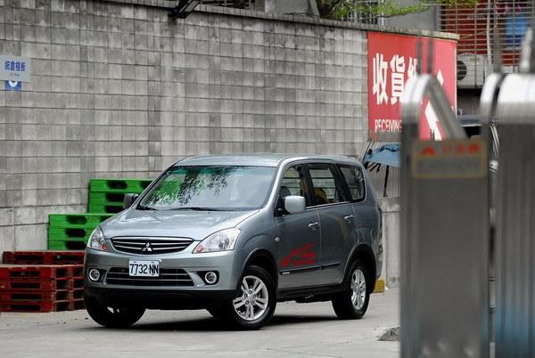 Mitsubishi_Zinger_2.4 豪華型