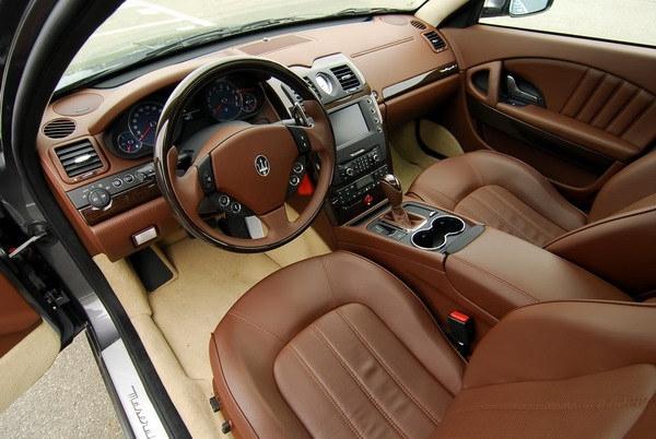 Maserati_Quattroporte_4.2