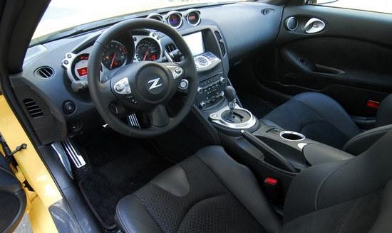 Nissan_370Z_Roadster