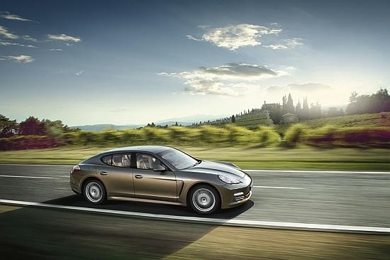 Porsche_Panamera_4