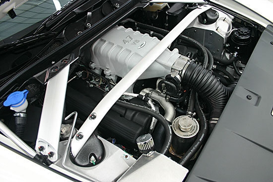 Aston Martin_Vantage_GT4