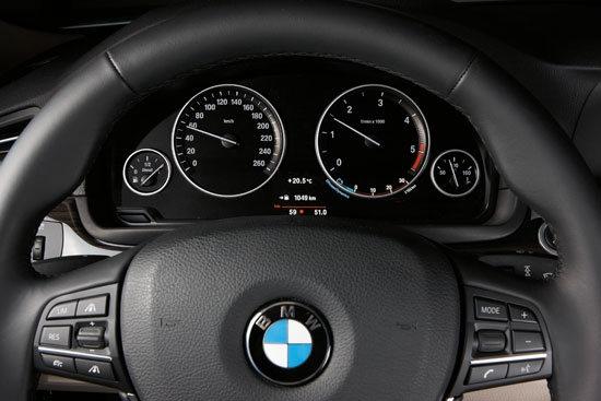 BMW_5-Series Sedan_550i