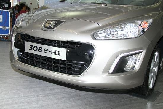 Peugeot_308_1.6 e-HDi Active