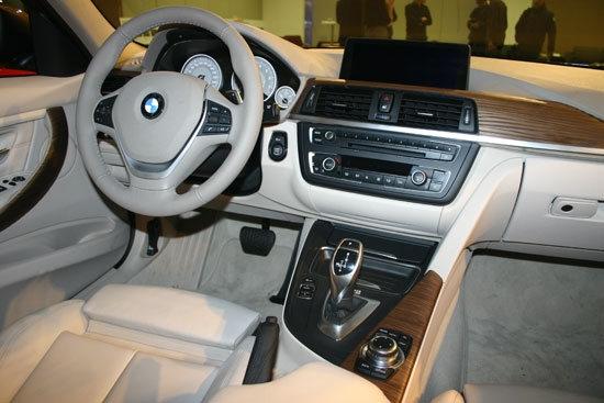 BMW_3-Series Sedan_328i Luxury